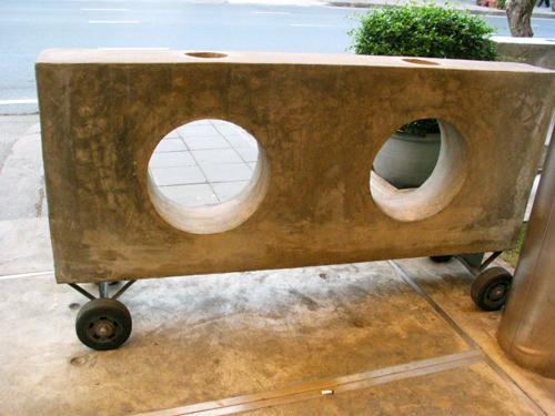 Wheeled concrete mobile gate, Bangkok