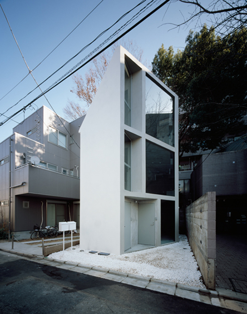 Ouno design the japanese live comfortably in tiny spaces for Japanese minimalist small house design