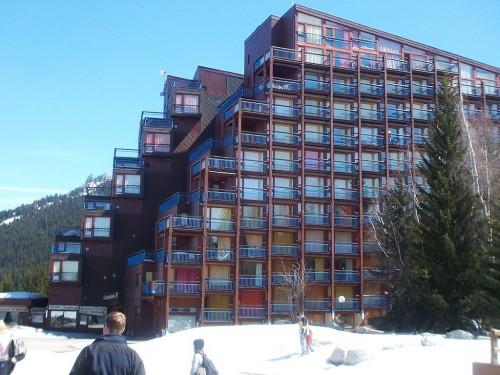 1024px-Les_Arcs_apartments