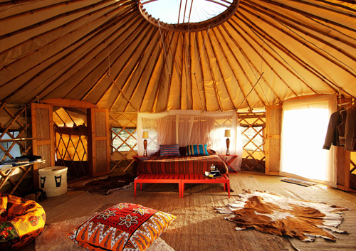 yurt, via cosmic_dust