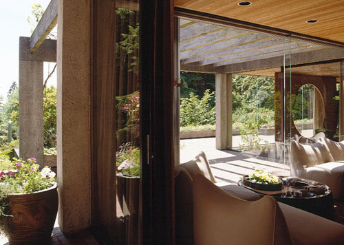 Helmut Eppich house, Arthur Erickson, interior with Francisco Kripacz