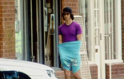 Nathan Barley, tshirt as pants