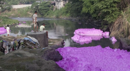 greenpeace video on toxic textiles and pollution